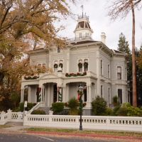McHenry Mansion Foundation Candlelight Tour