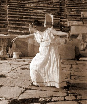 In Tribute to Isadora Duncan