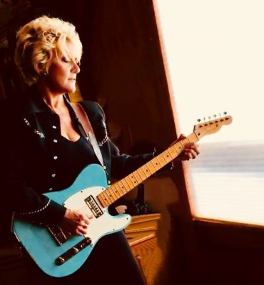 A Country Christmas Show: Lacy J Dalton with Dale ...